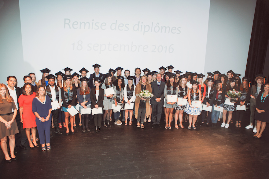 Félicitations aux nouveaux diplômés - promotion 2016 - de l'ICART Bordeaux l'école du management de la culture et du marché de l'art